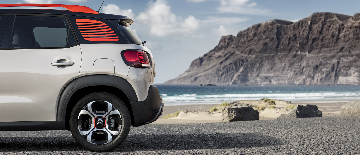 Lateral C3 Aircross