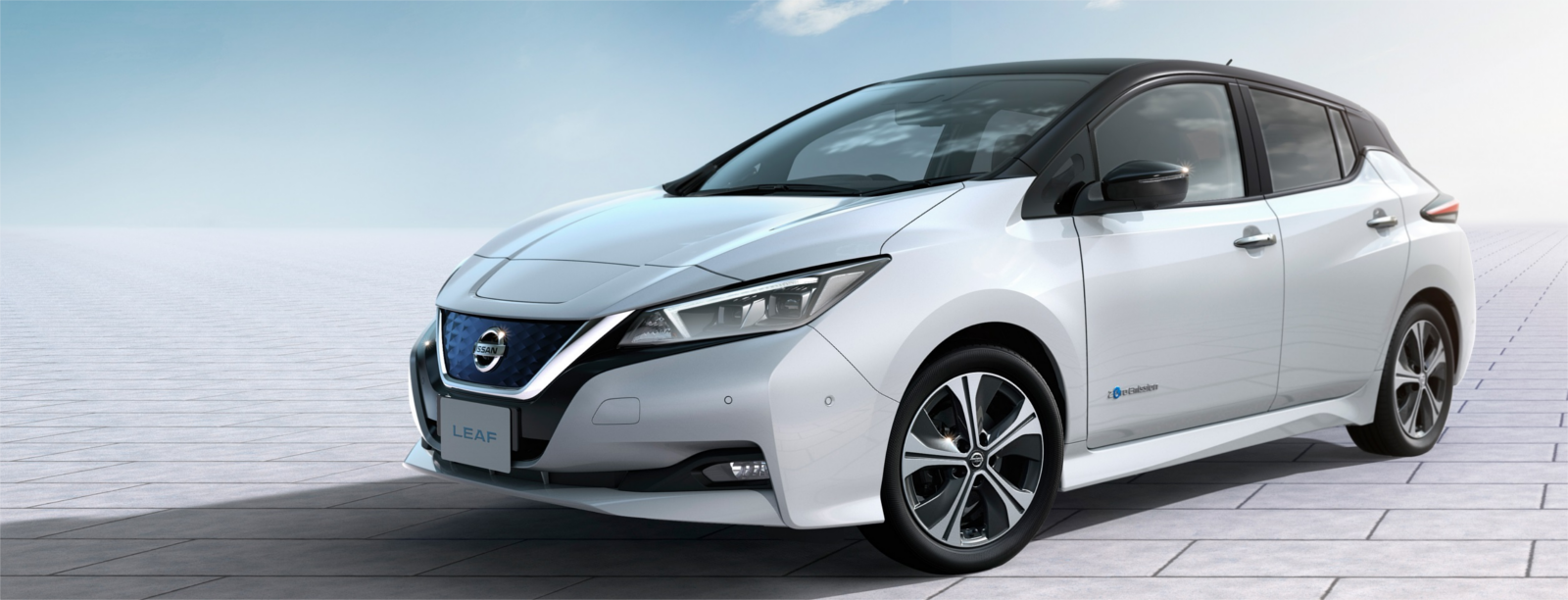 nissan leaf lateral
