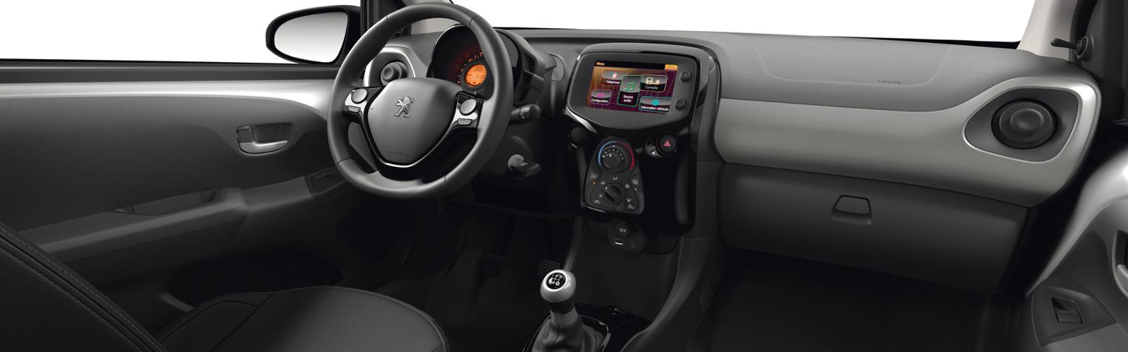 Interior Peugeot 108