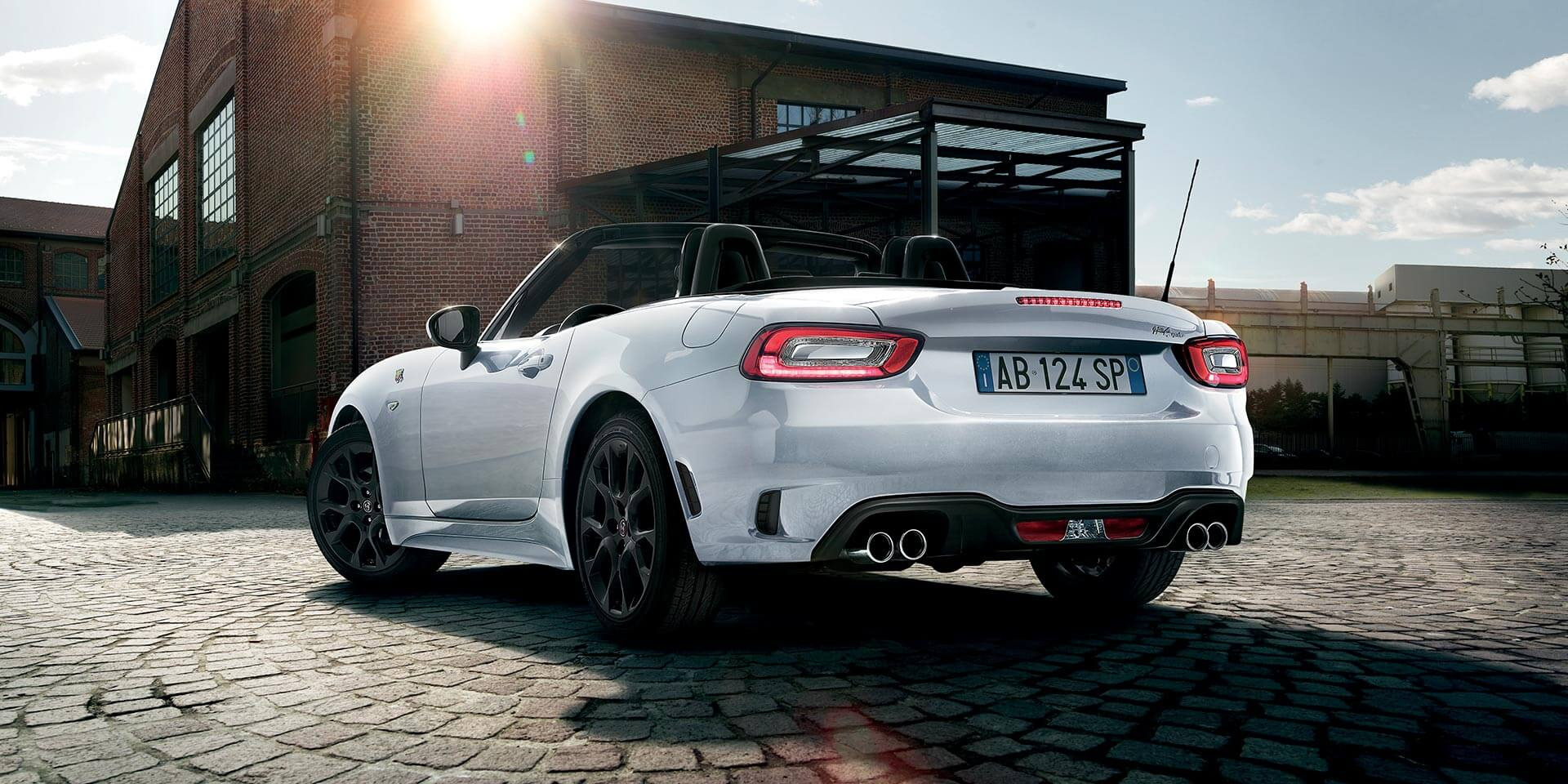 Lateral Abarth 124 spider