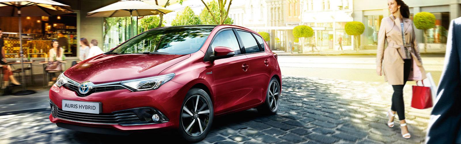 Toyota Auris en color rojo