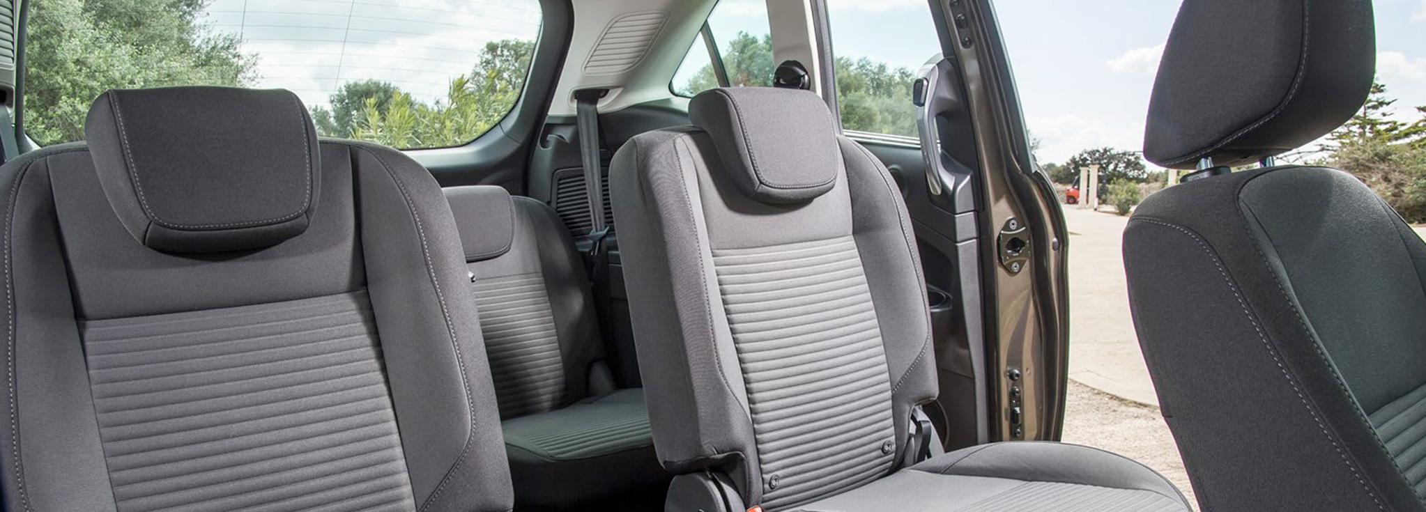 interior del Ford Grand C-Max