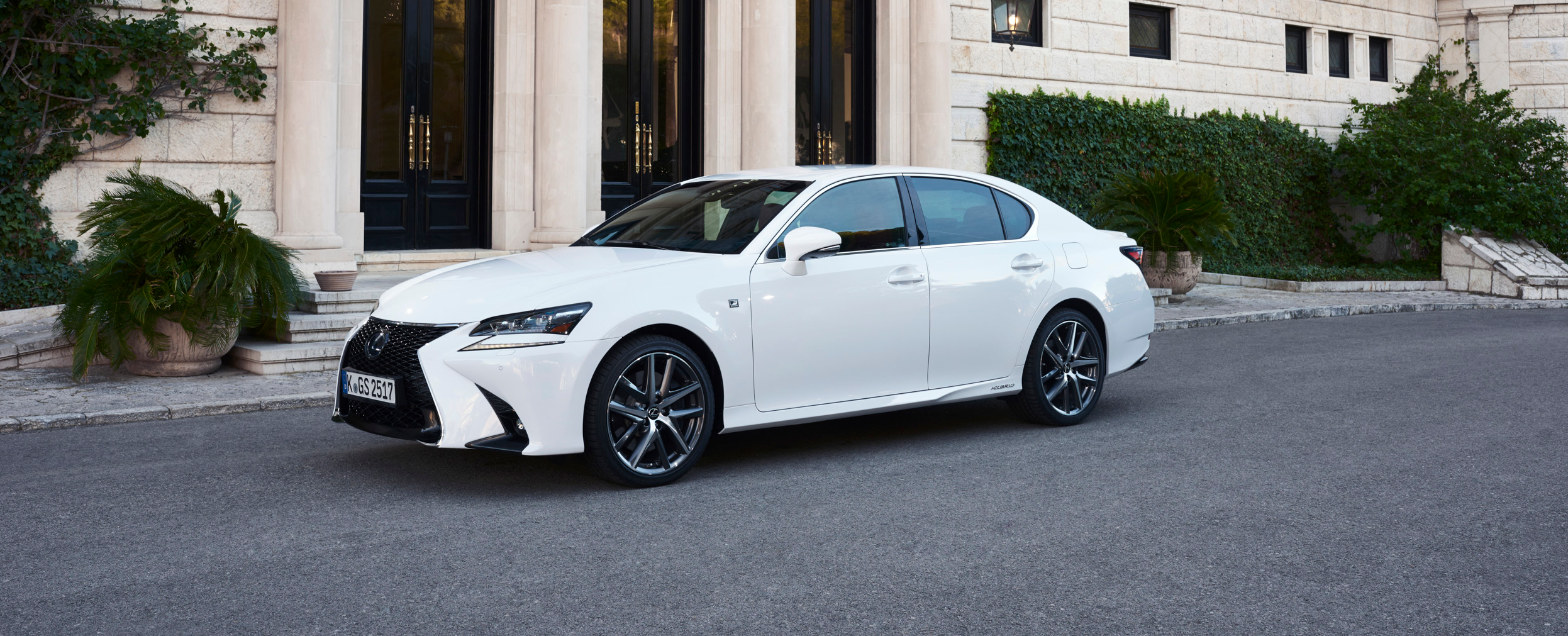 Lateral lexus gs