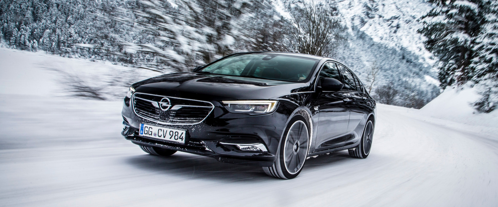 Lateral Opel Insignia Grand Sport