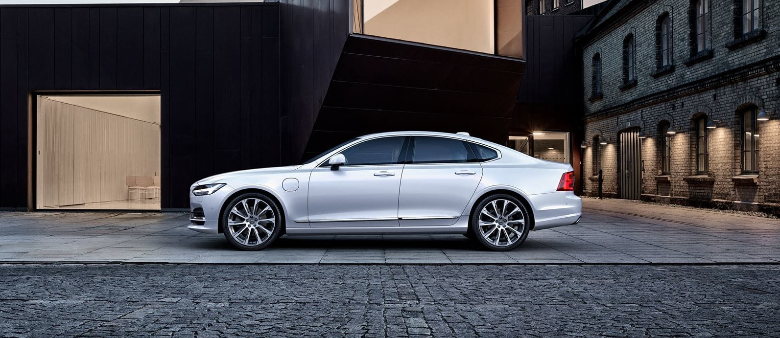lateral volvo s90