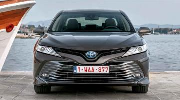 toyota camry frontal negro