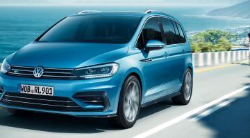 Volkswagen touran azul claro