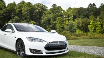 Fotografía de coche Tesla