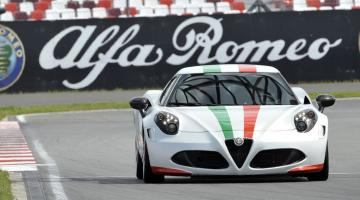 Alfa Romeo 4C blanco