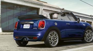 Mini cabrio azul