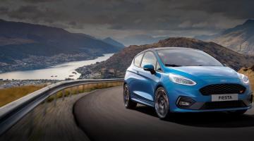 Ford Fiesta azul
